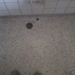 Toiletgulv i terrazzo efter reparation